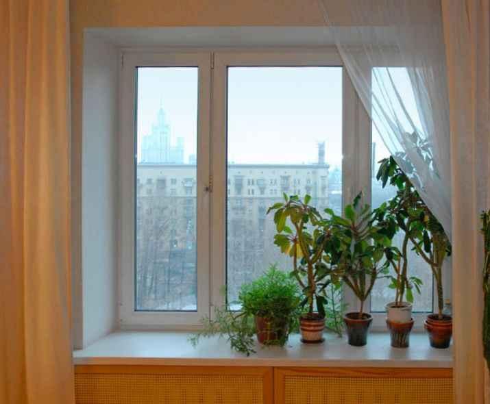 Окно в квартире