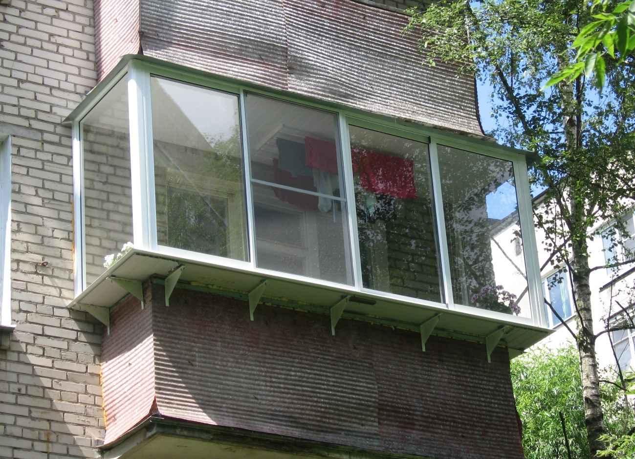 Остекление пятиэтажек хрущёвских серий.